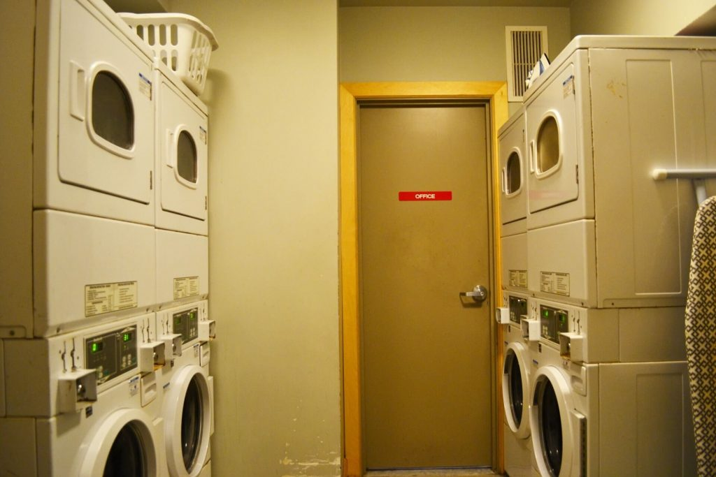 Toronto youth hostel Laundry