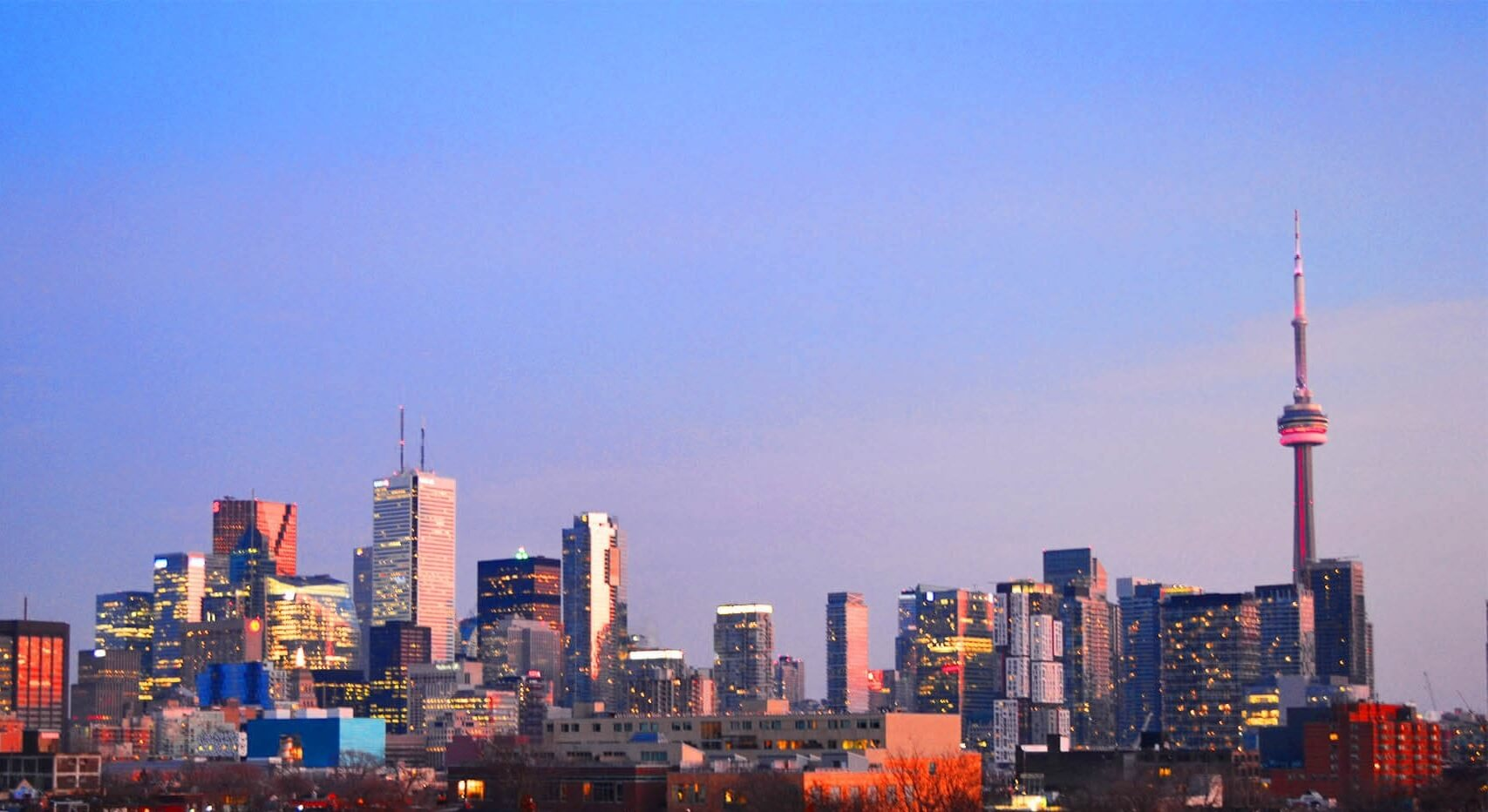 Vista dell'orizzonte di Toronto all'alba